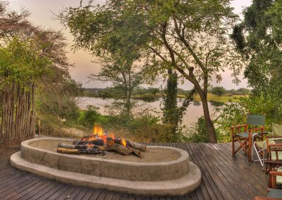 shackletons-tiger-fishing-lodge-firepit